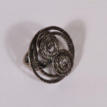 Kupittaan kulta sormus, hopea, suunnittelija Elis Kauppi, hopea