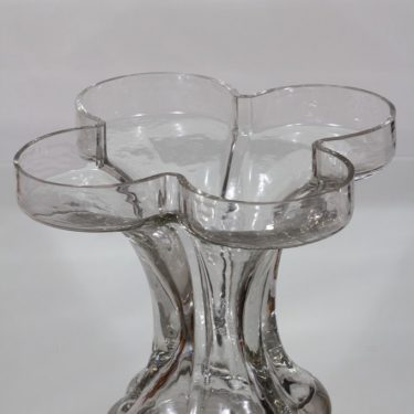 Riihimäki glass, Onnenlehti vase, clear, Helena Tynell 2