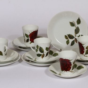 Arabia Ruusu kahvikupit ja leivoslautaset, 5 kpl, suunnittelija , serikuva, kukka-aihe