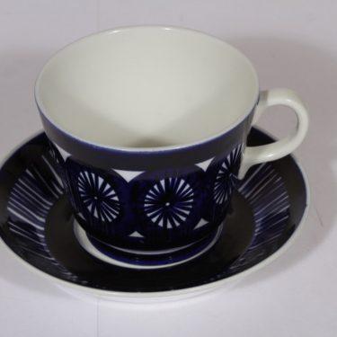 Arabia Fiesta kuppi ja lautanen, 50 cl, suunnittelija , 50 cl, suuri, käsinmaalattu, signeerattu