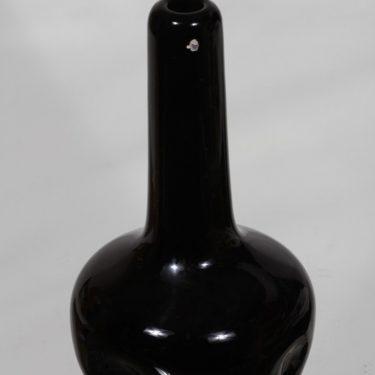 Riihimäen lasi maljakko, musta, suunnittelija Runar Engblom, signeerattu