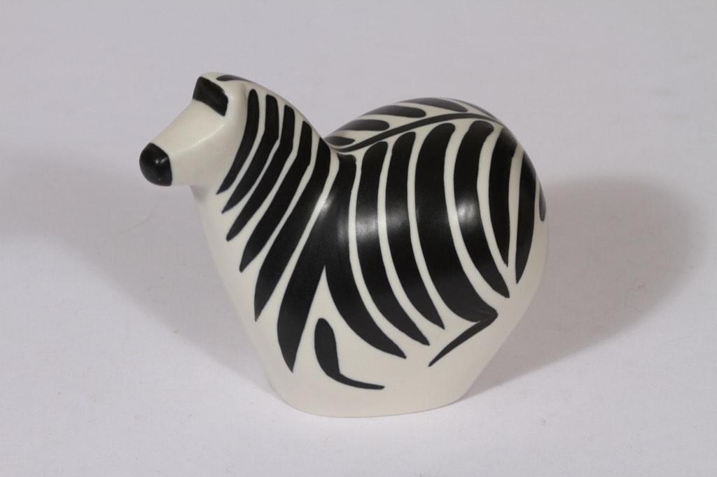 Arabia eläinfiguuri, seepra-aihe, suunnittelija Lillemor Mannerheim-Klingspor, seepra-aihe, signeerattu