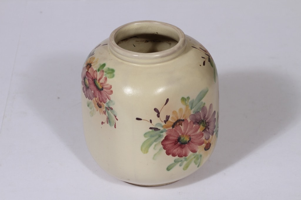 Arabia ARA vase, hand-painted
