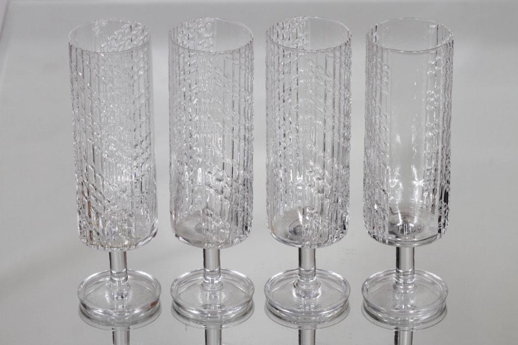 Riihimäen lasi Flindari kuohuviinilasit, kirkas, 4 kpl, suunnittelija Nanny Still,