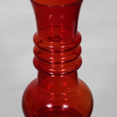 Riihimäki glass Kielo vase, ruby, Tamara Aladin