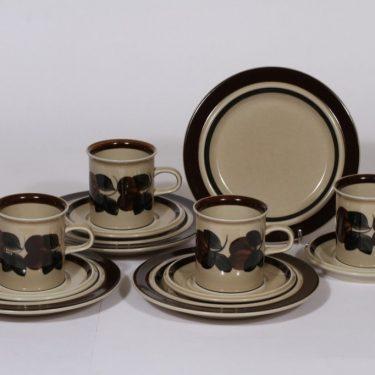 Arabia Ruija kahvikupit ja leivoslautaset, käsinmaalattu, 4 kpl, suunnittelija , käsinmaalattu