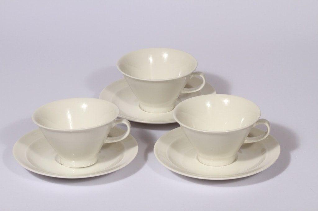 Arabia Harlekin teekupit, valkoinen, 3 kpl, suunnittelija ,Arabia Harlekin tea cups, white, 3 pcs, Inkeri Leivo
