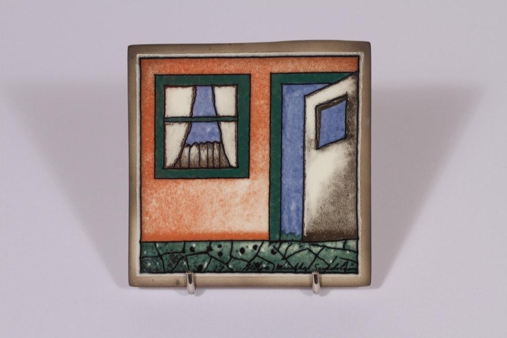 Arabia koristelaatta, Iloa Asumiseen, suunnittelija Heljä Liukko-Sundström, Iloa Asumiseen, pieni, serikuva