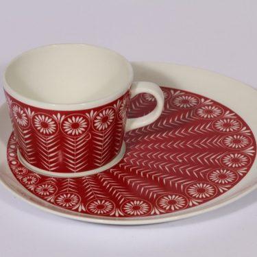Arabia Riikinkukko erikoiskuppi ja lautanen, punainen, suunnittelija , serikuva