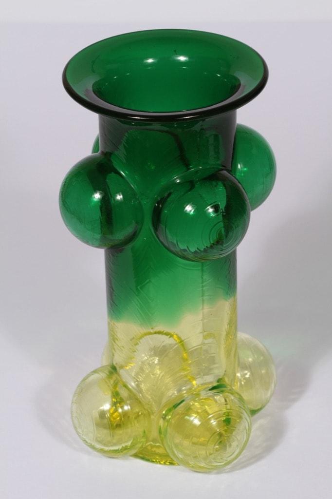 Riihimäen lasi Pajazzo maljakko, vihreä, keltainen, suunnittelija Nanny Still, signeerattu, retro