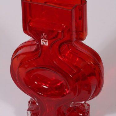Riihimäen lasi Emma maljakko, suunnittelija Helena Tynell, rubiininpunainen