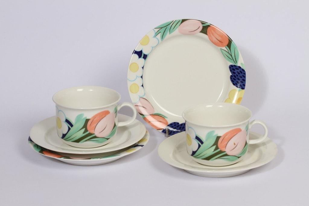 Arabia Arctica Poetica teekupit ja lautaset, 2 kpl, suunnittelija , serikuva, kukka-aihe