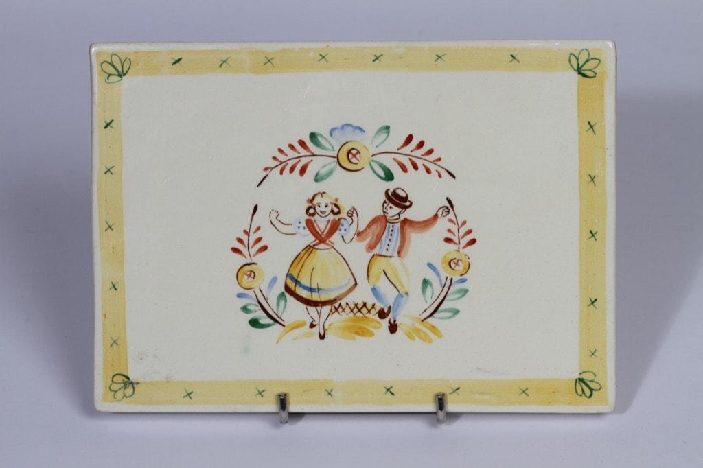 Arabia koristelaatta, suunnittelija Svea Granlund, käsinmaalattu