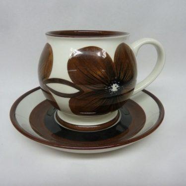 Arabia TH/5 kuppi, ruskea, suunnittelija Esteri Tomula, suuri, käsinmaalattu, signeerattu