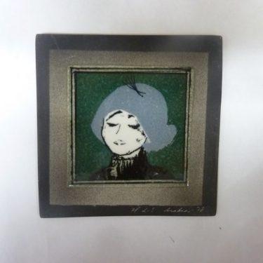 Arabia koristelaatta, Pariisilaistyttö, suunnittelija Helja Liukko-Sundström, Pariisilaistyttö, pieni, serikuva, signeerattu