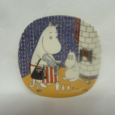 Arabia Muumi seinälaatta, Kuinkas Sitten Kävikään, suunnittelija Tove Jansson, Tove Slotte, Kuinkas Sitten Kävikään, pieni, serikuva, muumi