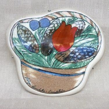 Arabia decorative plate, Tulppaanikori, designer Heljä Liukko-Sundström, silk screening, signed