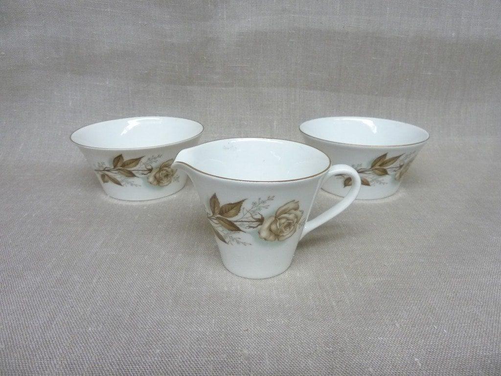 Arabia Juhannus 2*sugar bowl & creamer, Raija Uosikkinen