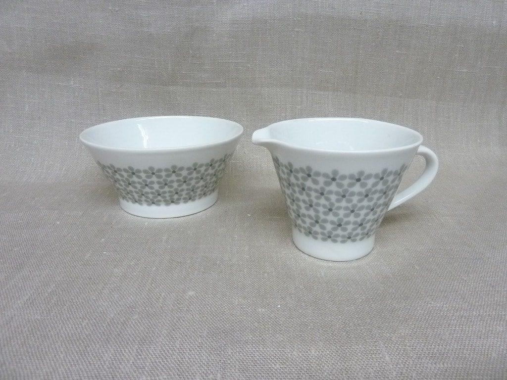 Arabia Lemmikki sugar bowl and creamer, Raija Uosikkinen
