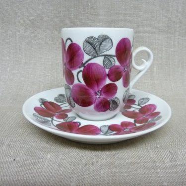 Arabia Irina kahvikuppi, suunnittelija Esteri Tomula, käsinmaalattu