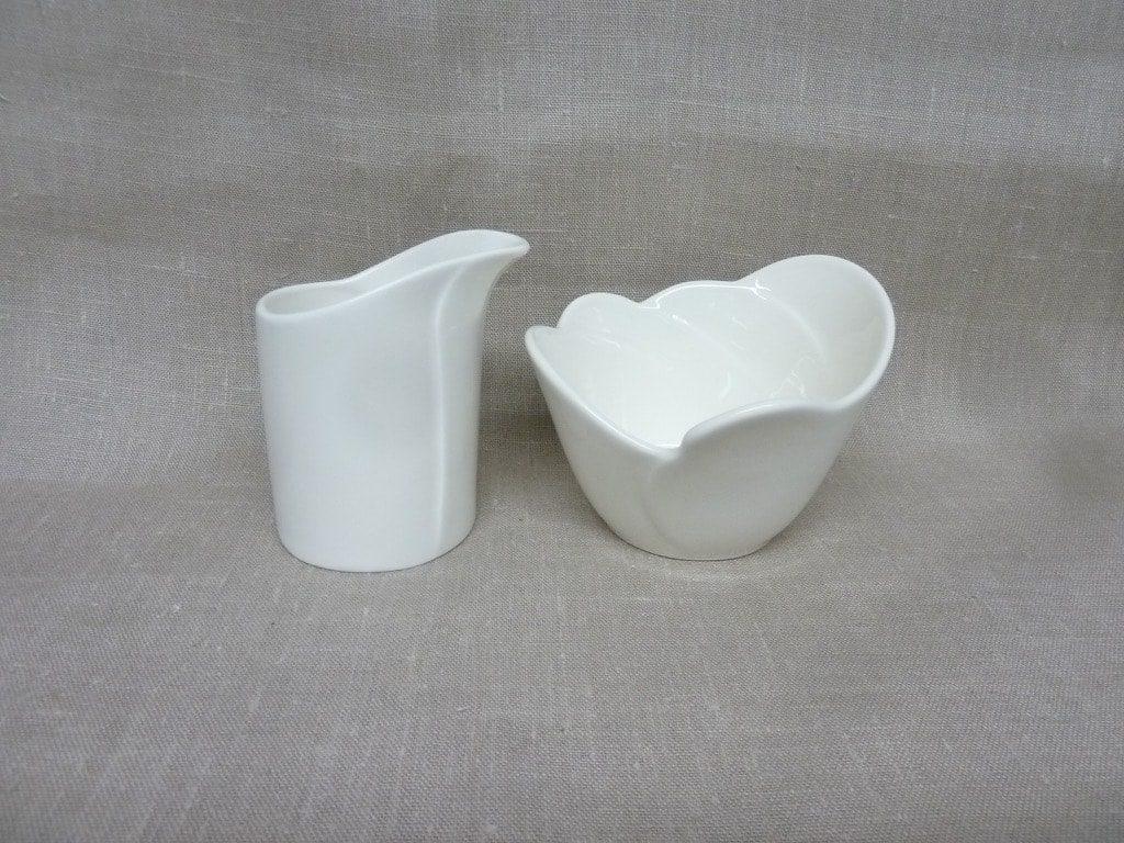 Arabia Tuuli sugar bowl and creamer, white, Heljä Liukko-Sundström