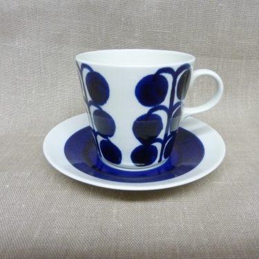 Arabia BS teekuppi, suunnittelija Esteri Tomula, käsinmaalattu