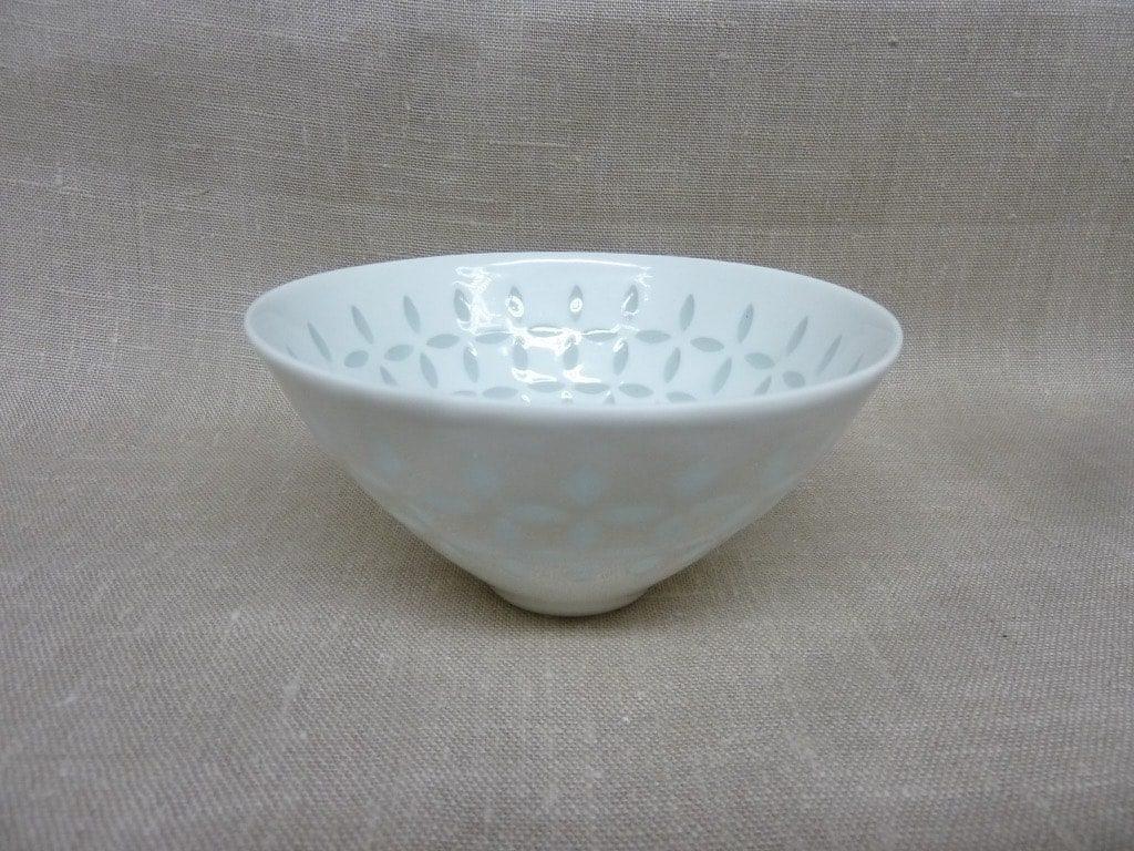 Arabia FK/33 vase, white, designer Friedl Holzer-Kjellberg, small, mass signed, porcelain