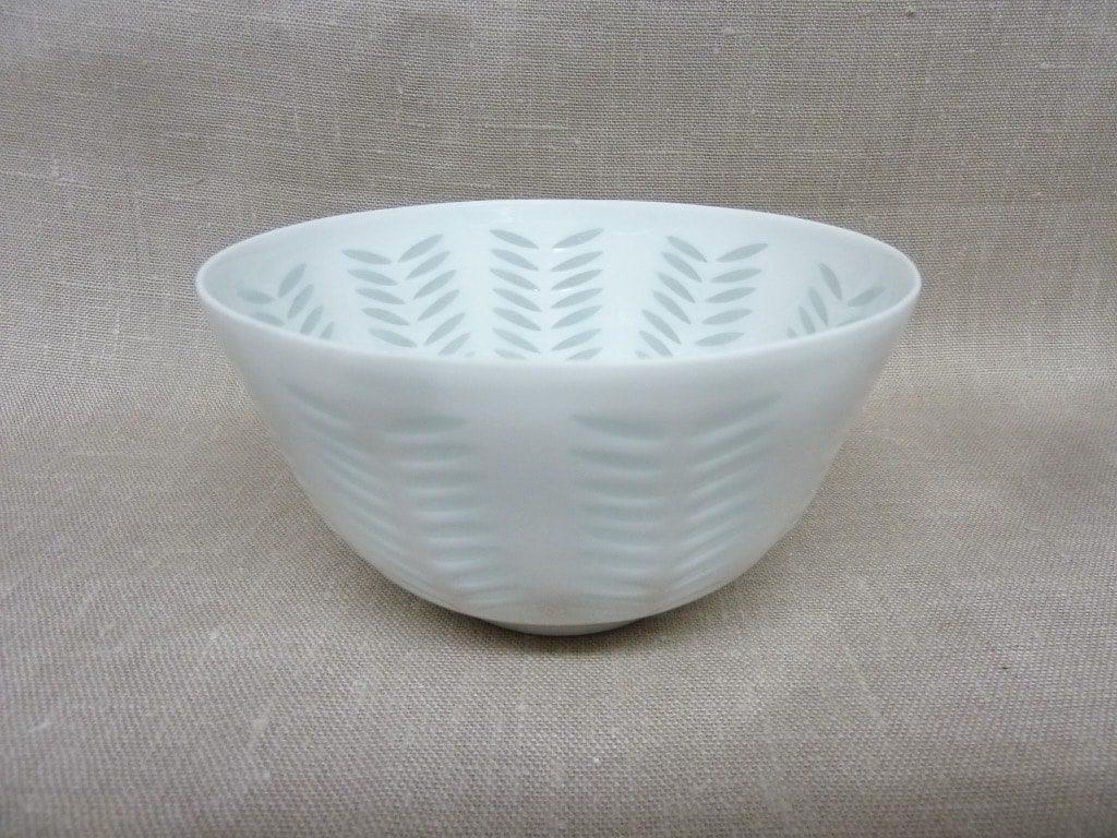 Arabia FK/33 vase, white, designer Friedl Holzer-Kjellberg, small, porcelain, mass signed