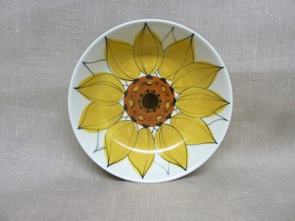 Arabia Aurinkoruusu lautaset, syvä, suunnittelija Hilkka-Liisa Ahola, syvä, signeerattu, käsinmaalattu