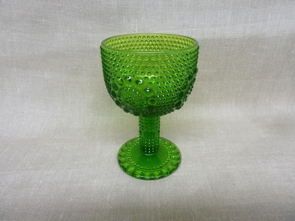Riihimäen lasi Grapponia 5020 viinilasi, vihreä, suunnittelija Nanny Still,