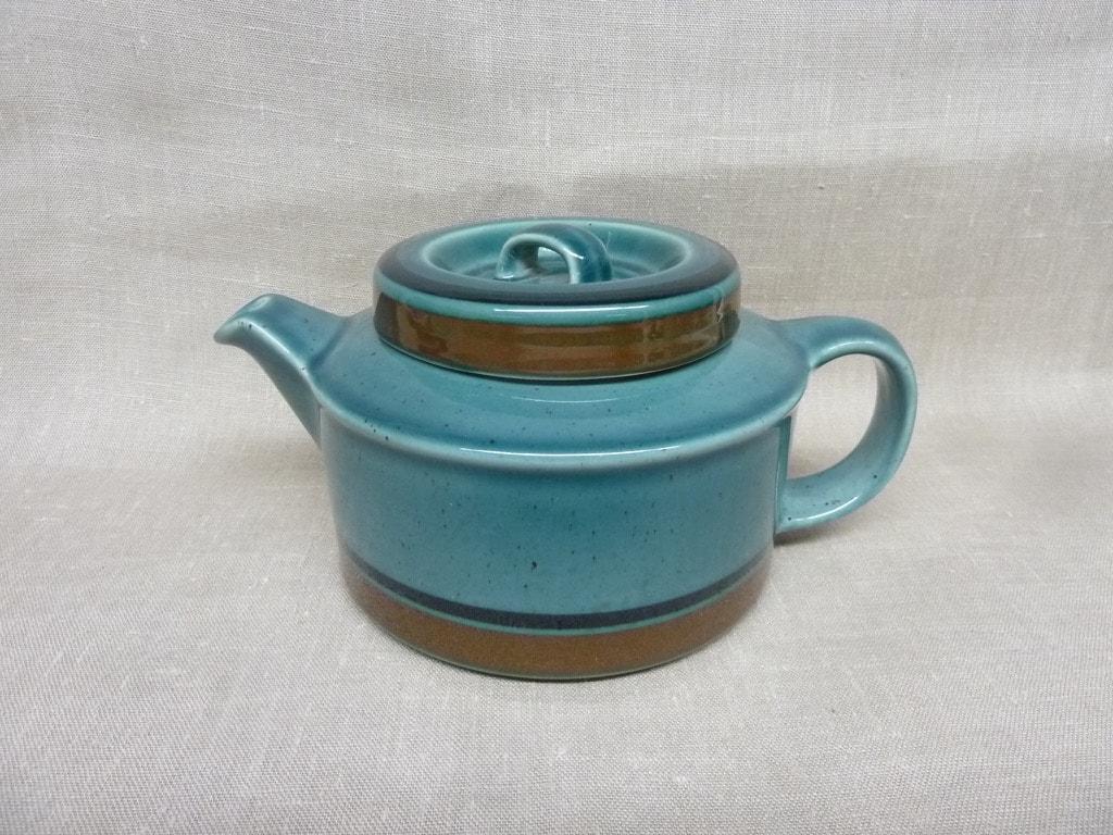 Arabia Meri teekannu, sininen, suunnittelija Ulla Procope, 1.33 l