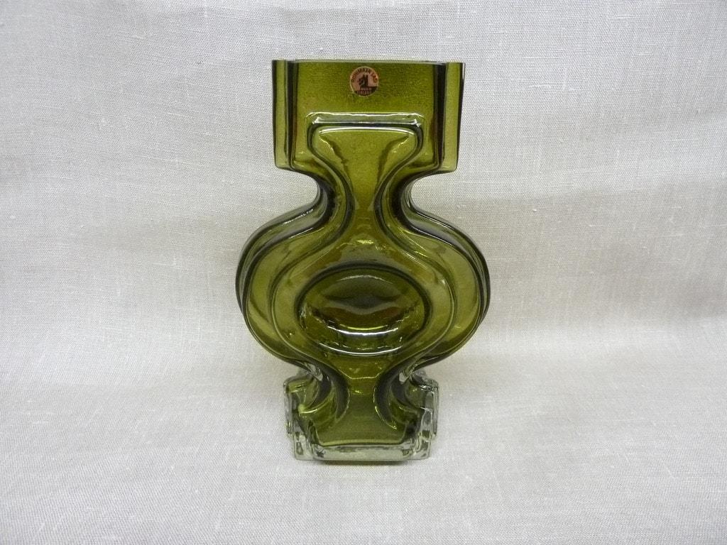 Riihimäen lasi Emma maljakko, oliivinvihreä, suunnittelija Helena Tynell,