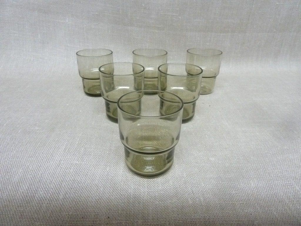 Nuutajärvi Pinottava lasi snapsilasit, harmaa, 6 kpl, suunnittelija Saara Hopea,