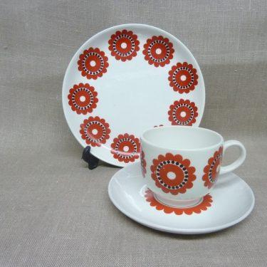 Arabia KM kahvikuppi, punainen, suunnittelija Göran Bäck, retro