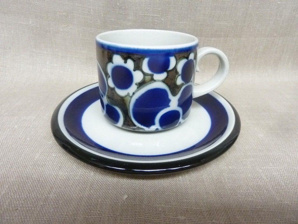 Arabia Saara teekupit, suunnittelija , erikoiskoriste, retro
