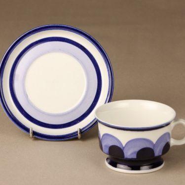 Arabia Paju teekuppi, sininen, suunnittelija Anja Jaatinen, käsinmaalattu, retro kuva 2