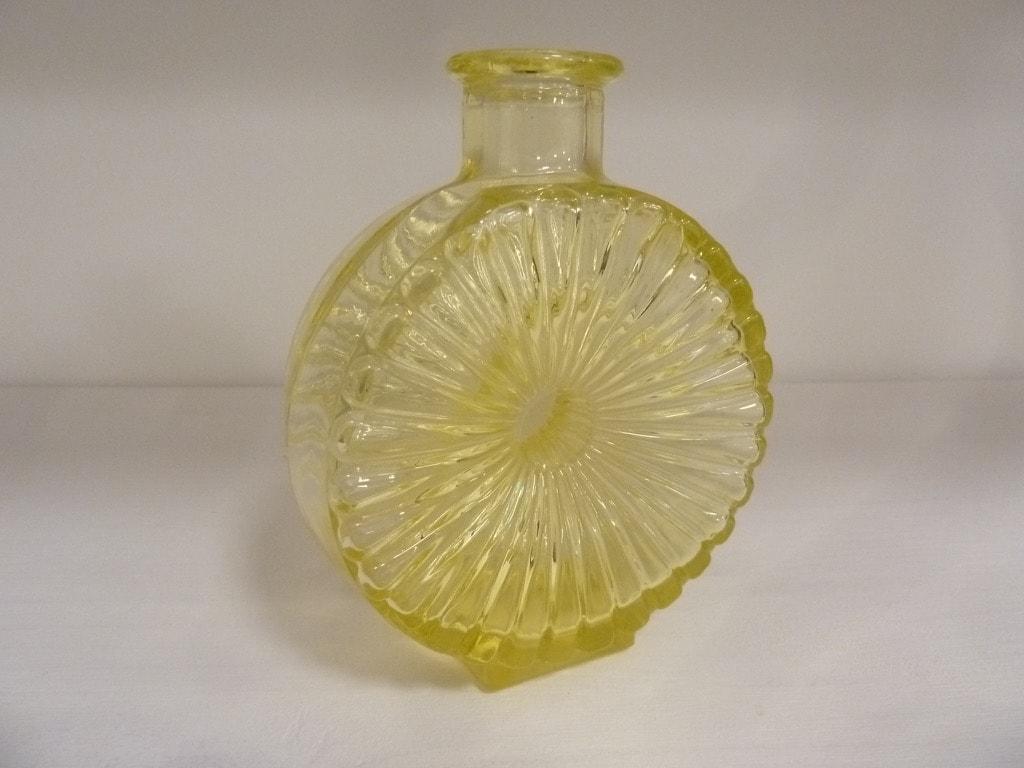 Riihimäen lasi Aurinkopullo decoration bottle, designer Helena Tynell, small, yellow, size ¼