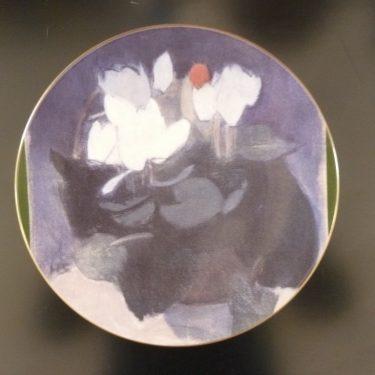 Arabia Syklaami maljakossa decorative plate, designer Helene Schjerfbeck, silk screening, flower theme