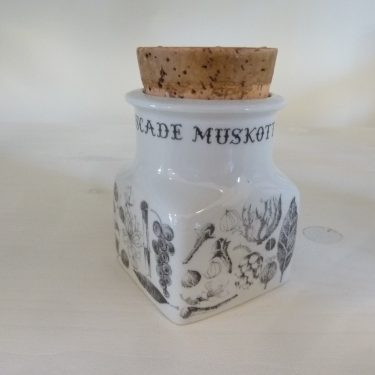 Arabia Maustekuva spice jar, nutmeg, black and white, designer Esteri Tomula, silk screening