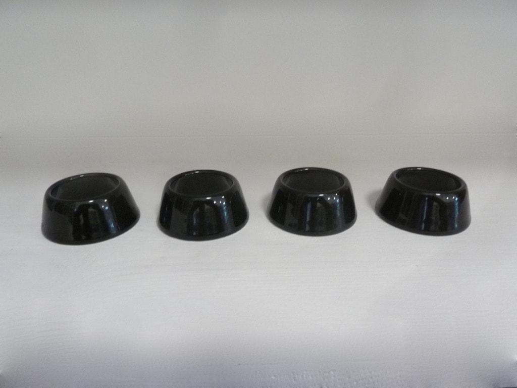 Arabia Kilta munarenkaat, musta, 4 kpl, suunnittelija ,