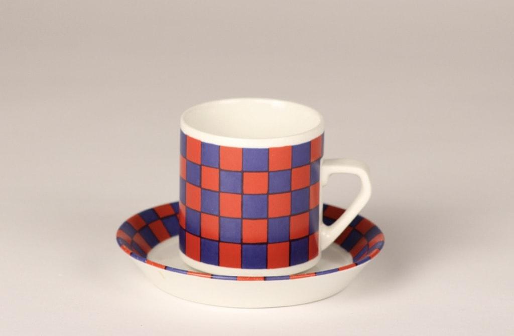 Arabia Tammi coffee cup, blue and red, Esteri Tomula