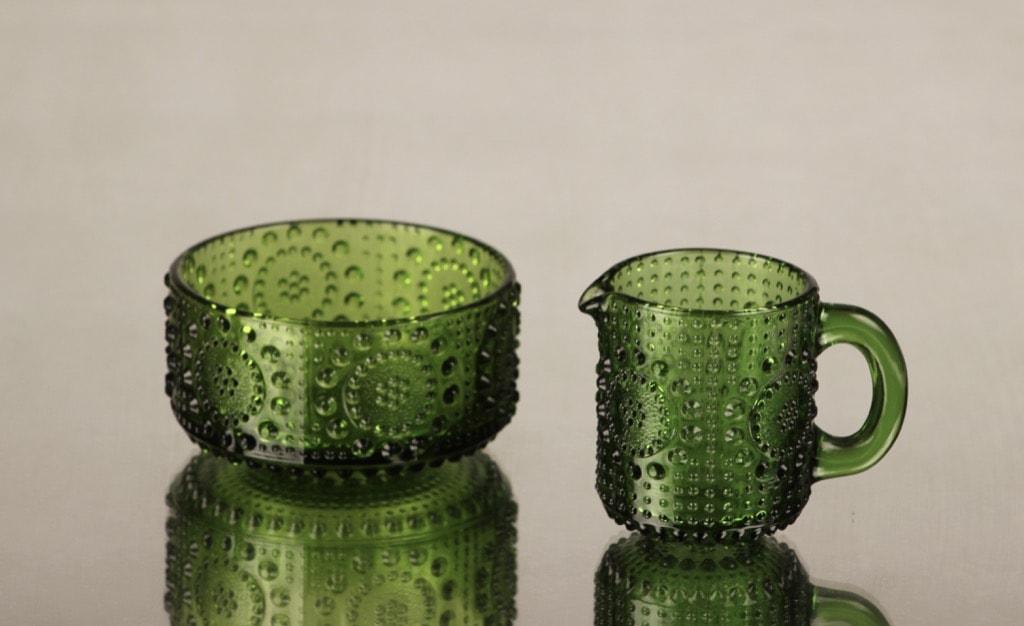 Riihimäen lasi Grapponia sokerikko ja kermakko, vihreä, suunnittelija Nanny Still,