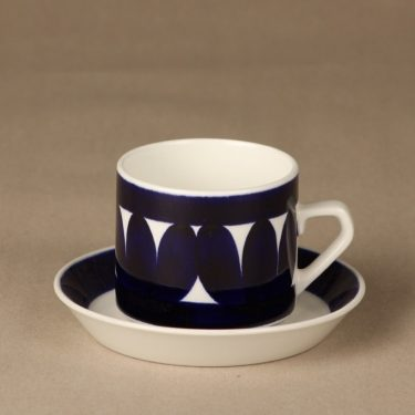 Arabia Sotka tea cups, blue, designer Raija Uosikkinen, hand-painted