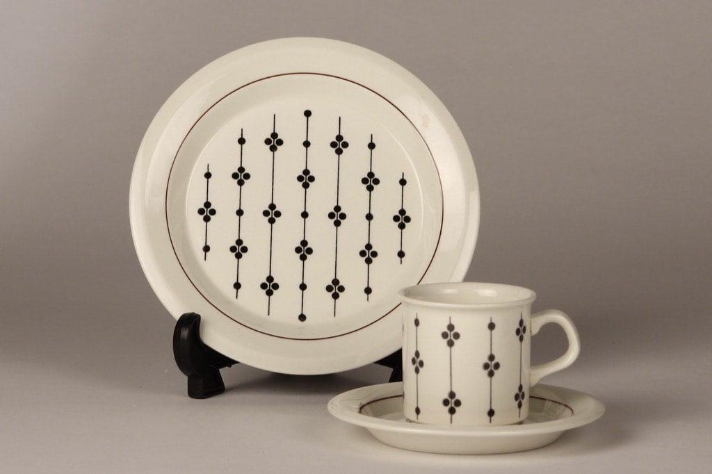 Arabia Kartano coffee cup, black and white, Esteri Tomula