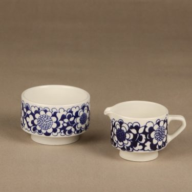 Arabia Gardenia sokerikko ja kermakko, sininen, suunnittelija Esteri Tomula, serikuva