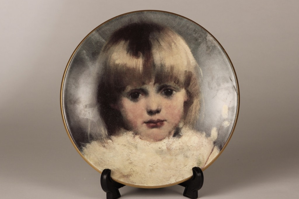 Arabia wall plate Girl and Willows designer Helene Schjerfbeck
