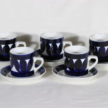 Arabia Sotka kahvikupit, käsinmaalattu, 5 kpl, suunnittelija Raija Uosikkinen, käsinmaalattu