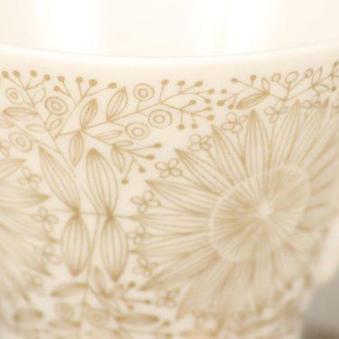 Arabia Filigran kahvikuppi, kulta, suunnittelija Raija Uosikkinen, serikuva kuva 2