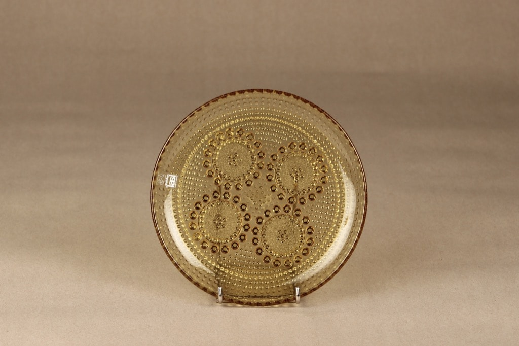 Riihimäen lasi Grapponia lautanen, amber, suunnittelija Nanny Still,
