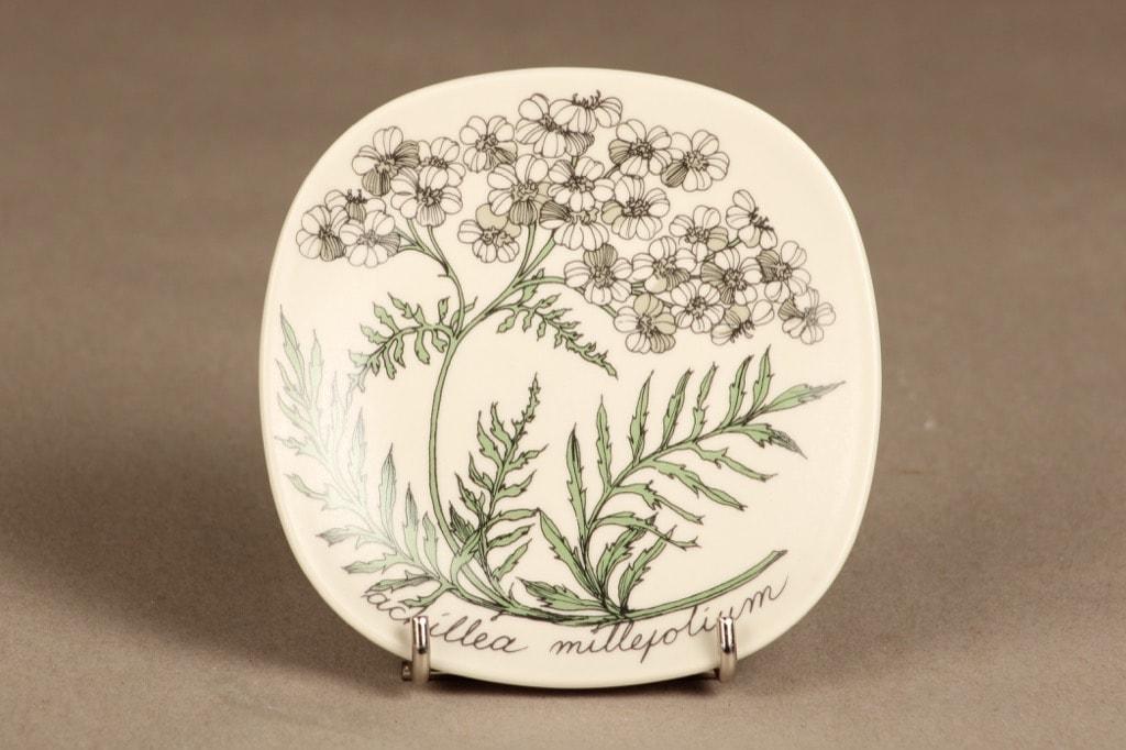 Arabia Botanica wall plate Achillea millefolium designer Esteri Tomula